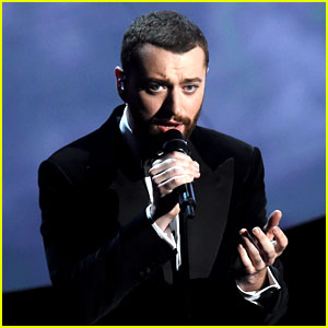 Sam Smith Sings 'Writing's On the Wall' at Oscars 2016 (Video)