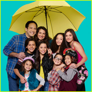 Meet the Diaz Family From 'Stuck in the Middle' in This New Promo!