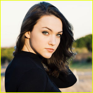 Get to Know 'The Flash' Actress Violett Beane With These 10 Fun Facts!