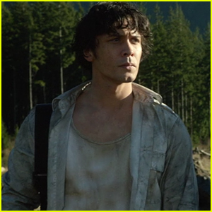 'The 100' Showrunner Jason Rothenberg Talks Fate of Bellamy