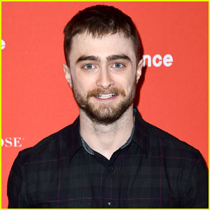 Daniel Radcliffe Shares Epic 'Harry Potter' Throwback Photo!