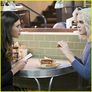 Peyton Moves Back in With Liv on 'iZombie'