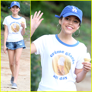 Jenna Ortega Describes 'Stuck In the Middle' Character Harley In The Perfect Way