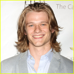 Lucas Till to Star in 'MacGyver' CBS Series!