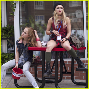 AnnaSophia Robb Connects With Autistic Child In New Lifetime Movie 'Jack of The Red Hearts'