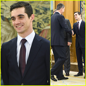 Skater Javier Fernandez Meets Spanish Royals in Madrid After Winning World Championships
