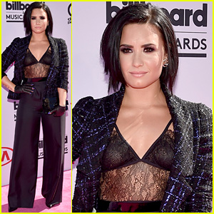 Demi Lovato Arrives in Style for Billboard Music Awards 2016