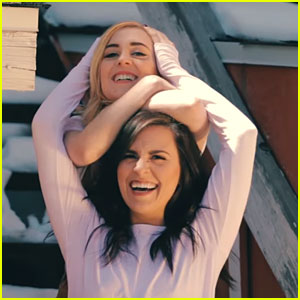 Megan & Liz Share Twin Memories In 'Home Is You' Video - Watch Now!