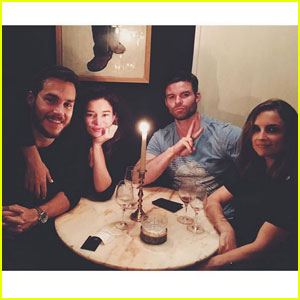 Chris Wood & Hanna Mangan-Lawrence Double Date With Daniel Gillies & Rachael Leigh Cook!