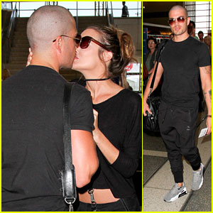 Max George's Mom Puts Him To Work After 17-Hour Flight From LA
