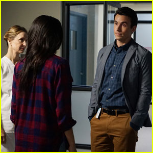 Elliott Becomes Suspect No. 1 on Tonight's 'Pretty Little Liars'