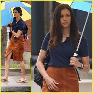 Nina Dobrev Films 'Flatliners' In The Toronto Rain