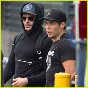 Zac Efron Gets in a Workout While in Australia
