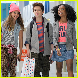 Skai Jackson & Thomas Barbusca Deal with Amy Schumer's Silly Antics in Old Navy Video (Exclusive)