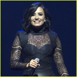Demi Lovato Apologies Over Zika Virus Joke on Snapchat