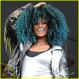 Fleur East Debuts Blue Hair For V Festival 2016