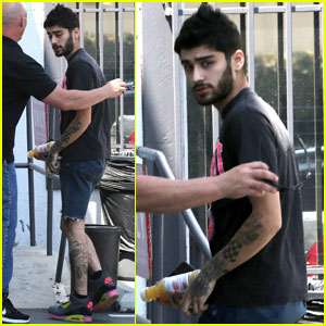 Zayn Malik Gets Silly on the Set of his 'Elle UK' Shoot
