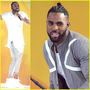 Jason Derulo Explains Why He Has Lion Statues on His Tub!