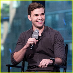 Burkely Duffield Promotes New Show 'Beyond' at Build Series & NYCC