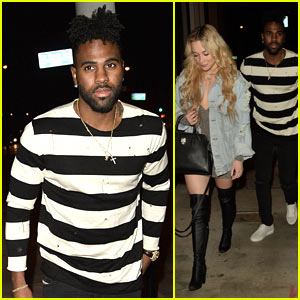 Jason Derulo & Mystery Blonde Get Cozy at Dinner!