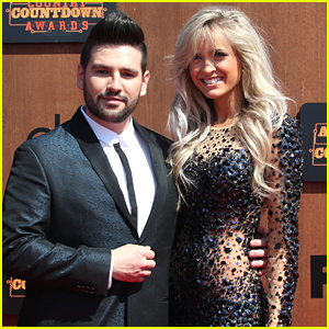 Dan & Shay's Shay Mooney & Fiancee Hannah Billingsley Expecting First Child