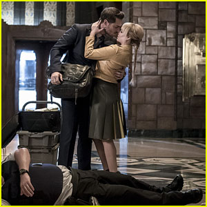 Ashley Rickards & Grey Damon Kiss on 'The Flash' Tonight!