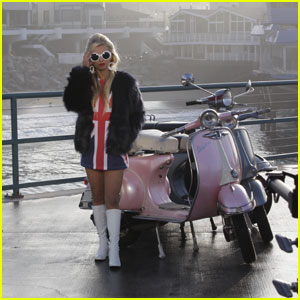 Tiffany Houghton Looks Gorgeous in These 'I'm Gonna Love You' BTS Video Pics!