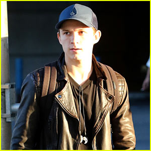 Tom Holland Takes in New York City Without Wearing His 'Spider-Man' Costume