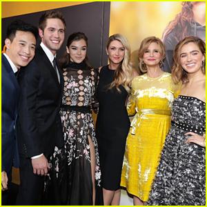 'Edge of 17' Cast Nails Mannequin Challenge at LA Premiere - Watch!