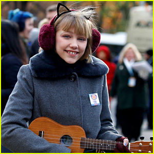 Grace VanderWaal Performs in Macy's Parade Five Years After Watching from Crowd!