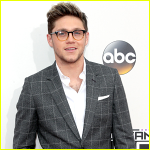 Niall Horan Admits He's Nervous For AMAs Tonight!