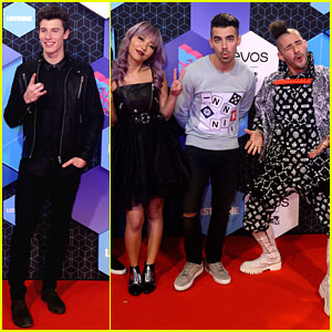 Shawn Mendes & DNCE Arrive at MTV EMAs 2016