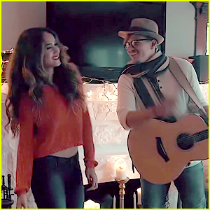 VIDEO: Skylar Stecker Sings 'Let It Snow' with Tyler Ward