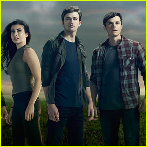 VIDEO: Freeform Debuts Two New 'Beyond' Clips!