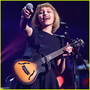 AGT Winner Grace VanderWaal Has 'Freak Out' Moment at Z100's Jingle Ball 2016!