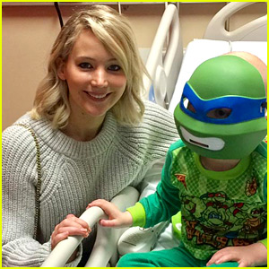 Jennifer Lawrence Brings Christmas Cheer to Sick Kids
