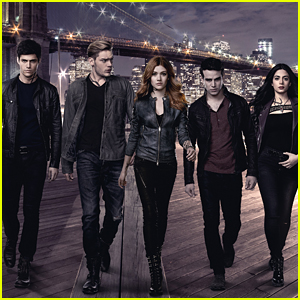 VIDEO: Katherine McNamara & Dominic Sherwood Star In New 'Shadowhunters' Opening Credits