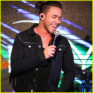 PHOTOS: Prince Royce Hosts Amazing Holiday Benefit Concert with Sprint