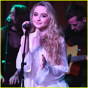 Sabrina Carpenter is Going on Tour With The Vamps!