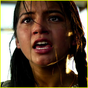 Isabela Moner is the Definition of Girl Power in 'Transformers 5' Trailer!