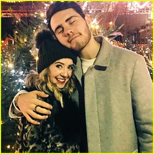 VIDEO: Zoella & Boyfriend Alfie Deyes Sing Christmas Carol in New Vlogmas Vid!