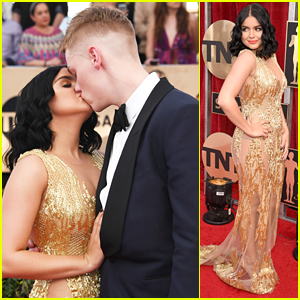 Ariel Winter Kisses Boyfriend Levi Meaden at SAG Awards 2017!