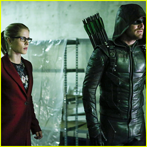 Felicity Kicks Off Her Revenge Agenda With Help From Oliver On 'Arrow'