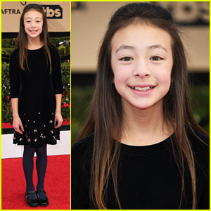 'Modern Family's Aubrey Anderson-Emmons Looks Adorable at the SAG Awards 2017