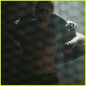Ed Sheeran Hits The Ring Shirtless In 'Shape of You' Music Video!