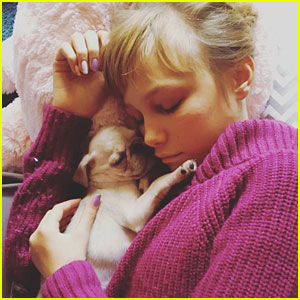 Grace VanderWaal's Dog, Frankie, is Growing Up Before Our Eyes!