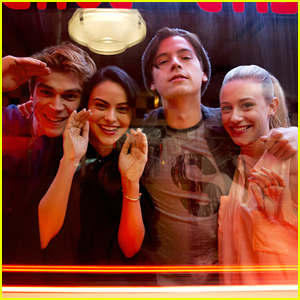 VIDEO: Watch A Scene From The Premiere of 'Riverdale' Right Now!