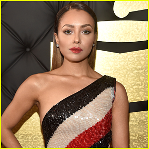 Kat Graham Rocks Glitter Lips For Grammys 2017