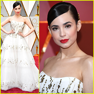 Sofia Carson Goes For the Glam Effect at Oscars 2017