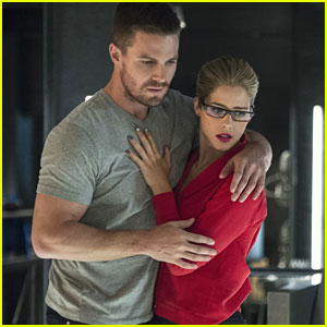 This Could Be The Way Felicity & Oliver Get Back Together On 'Arrow'